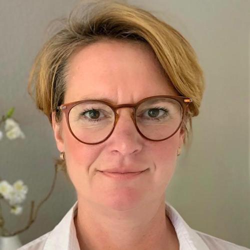 Birgit Jaklin - Physiotherapeutin im Therapiezentrum Vegesacj in Bremen Nord - Schwerpunkt LNB